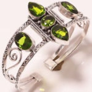 Jewelry - NEW .925 Stunning Green Peridot  Crystal Bracelet